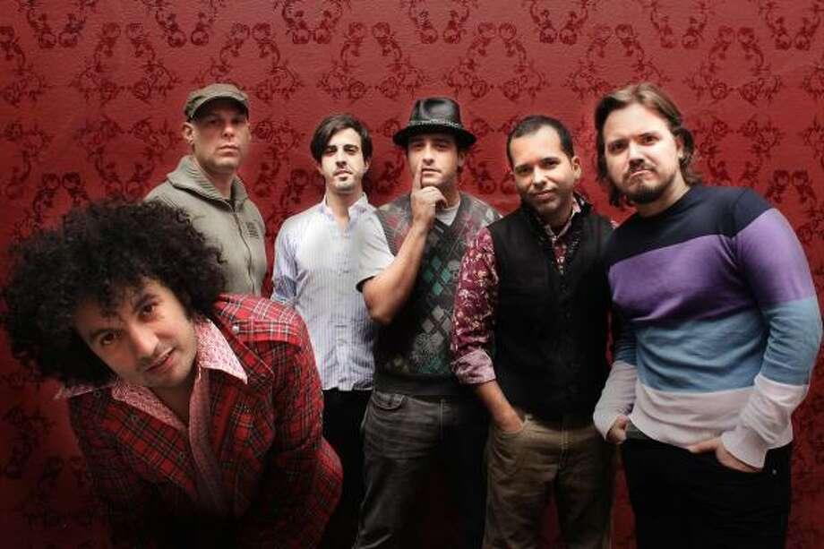 La banda venezolana sigue produciendo álbumes que contagian su alegría de vivir. Photo: Cortesía De Nacional Records