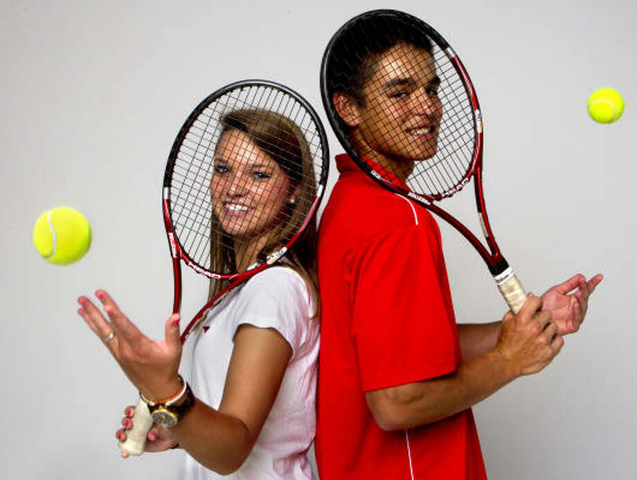 Katie Davis, left, teamed with Michael Riechmann in mixed doubles to produce a 21-0 record and the first state championship in the history of Memorial's tennis program. Photo: Cody Duty, Chronicle