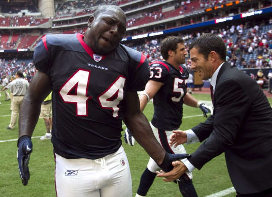 Fullback Vonta Leach (44) would like to remain with the Texans. Photo: Brett Coomer, Chronicle