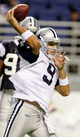 Quarterback Tony Romo passes during the afternoon session of Dallas Cowboys training camp Monday, Aug. 1, 2011 at the Alamodome. Photo: Edward A. Ornelas/eaornelas@express-news.net / © SAN ANTONIO EXPRESS-NEWS (NFS)
