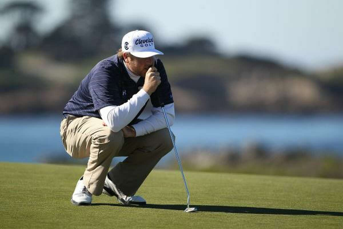 Steve Marino lines up a putt during the third round on Saturday.