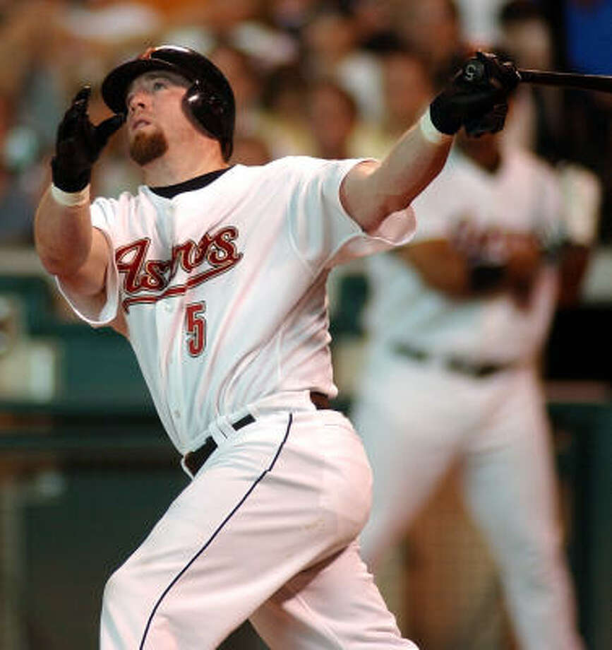 In an era when steroids cheapened the numbers, Jeff Bagwell was a dominant player. Photo: Chronicle File Photo