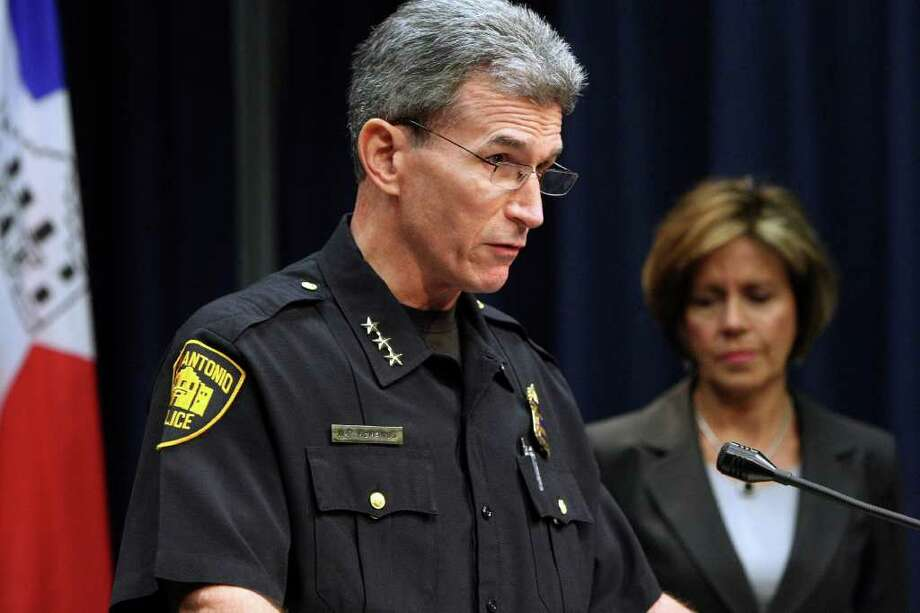 San Antonio Police Department Chief William McManus and City Manager Sheryl Sculley (right) announce the department's accreditation through the Commission for Accreditation for Law Enforcement Agencies. Photo: Helen L. Montoya/hmontoya@express-news.net / SAN ANTONIO EXPRESS-NEWS