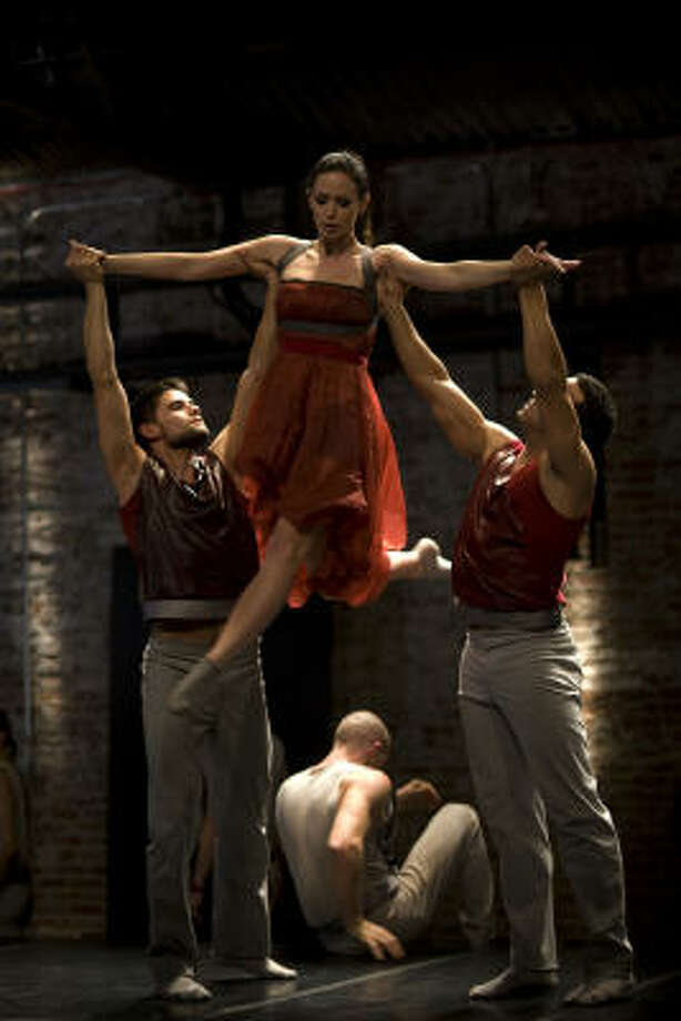 Emily Blunt, center, trained with Cedar Lake Contemporary Ballet's artistic director, Benoit-Swan Pouffer, for her role as a dancer in The Adjustment Bureau, which opens Friday. Photo: Andrew Schwartz :, Universal Studios