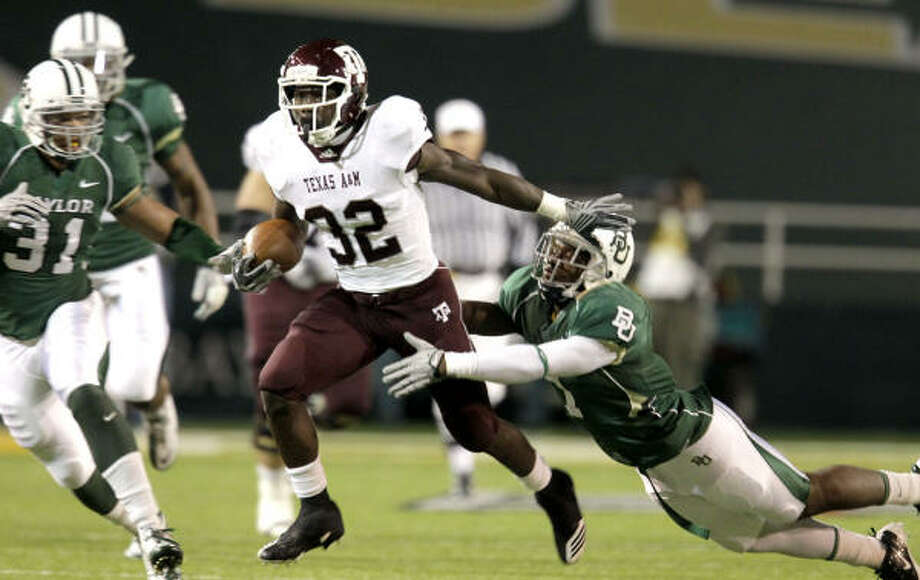Big 12 football will air on Fox Sports and FX beginning in the fall of 2012. Photo: Julio Cortez, Chronicle