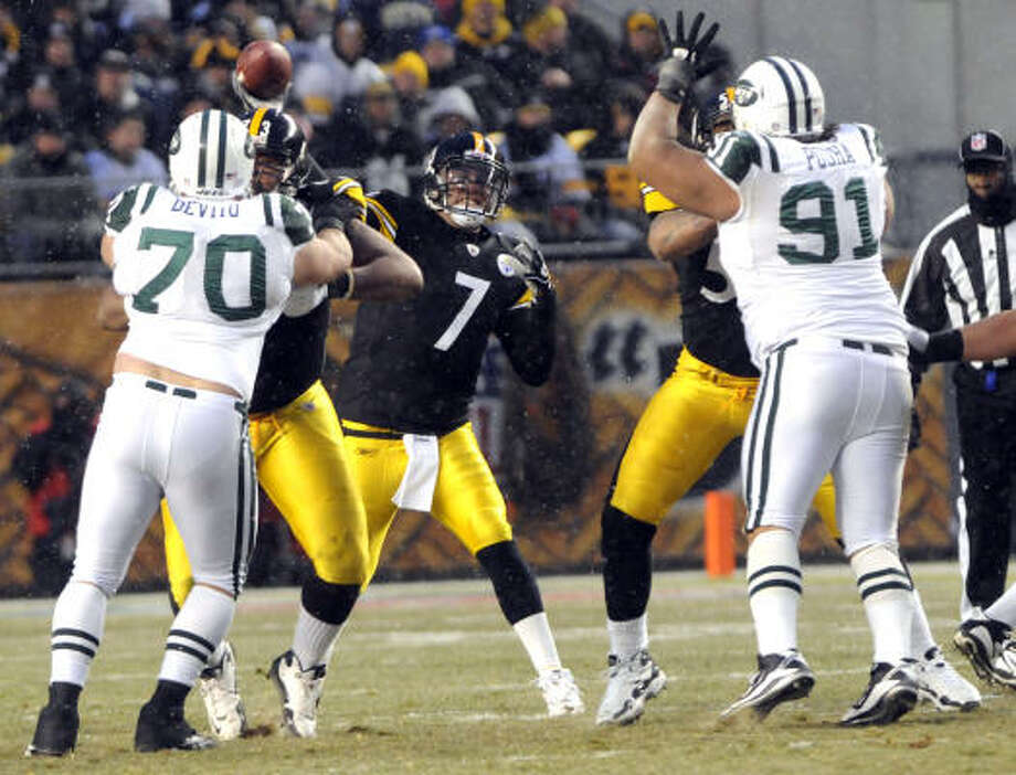 Jets defenders have shown respect for Ben Roethlisberger, a quarterback they defeated in a Dec. 19 regular-season meeting. Photo: Tom E. Puskar, AP