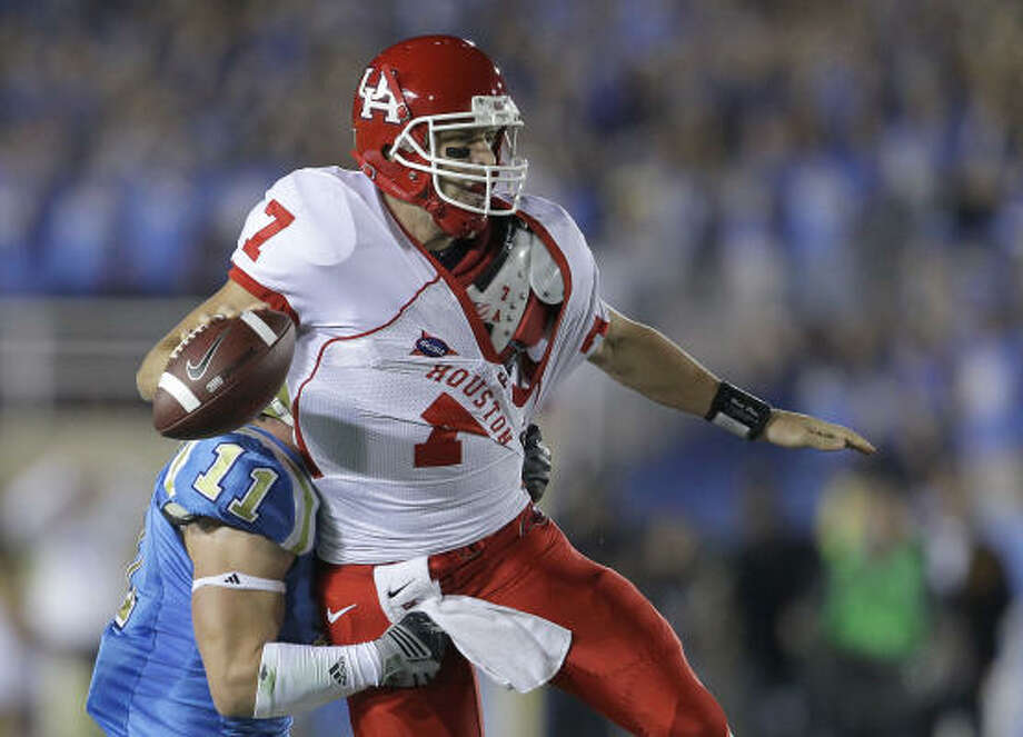Case Keenum will get another shot at UCLA, this time in Robertson Stadium. Photo: Nick De La Torre, Chronicle