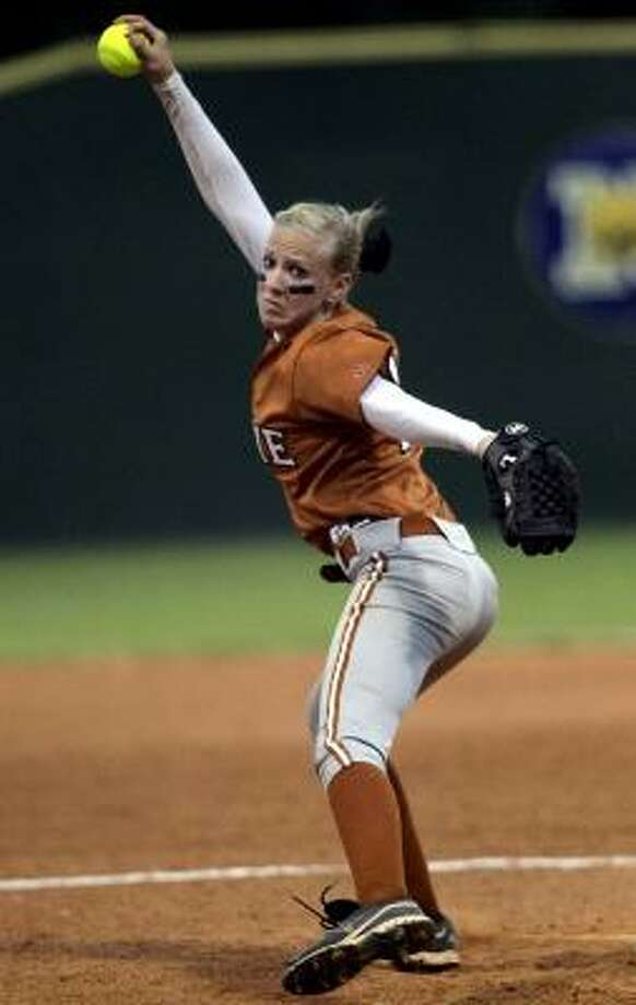 Dobie pitcher Shannon O'Connor delivered a strong performance against Katy Taylor. Photo: Cody Duty, Chronicle