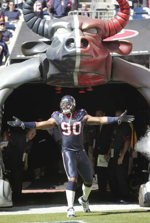 Texans defensive end Mario Williams has shown flashes of greatness in his five seasons. Photo: Karen Warren, Chronicle