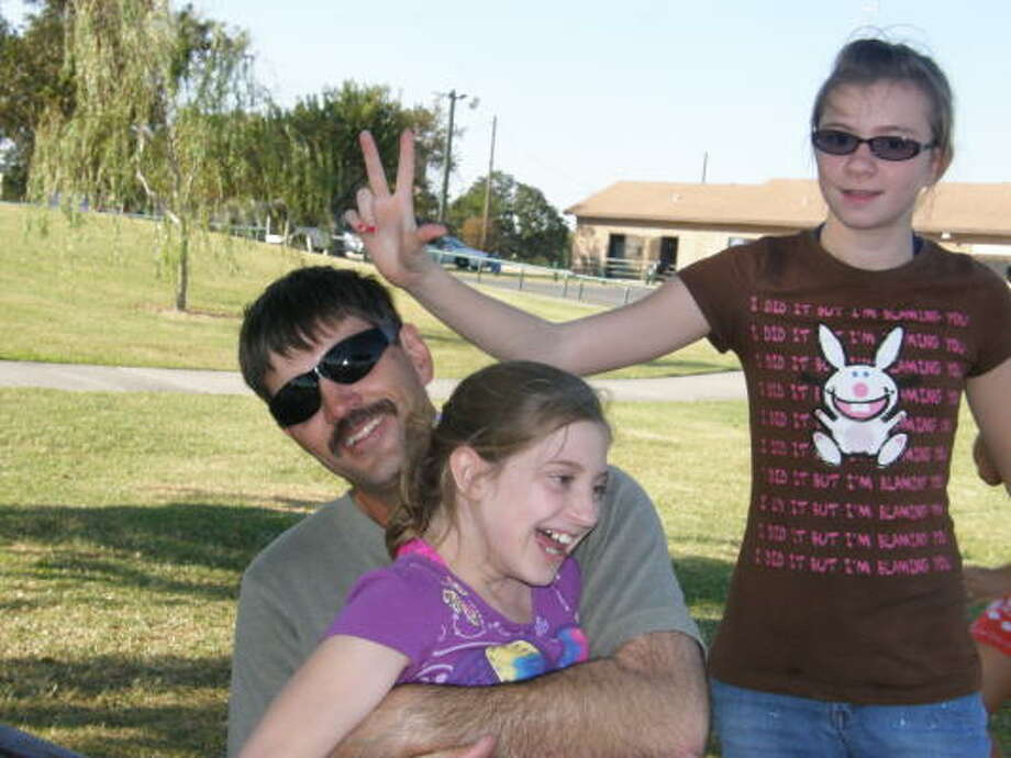 Relatives say Richard Shaw often worked extra hours to help support his daughters. Photo: Family Photo