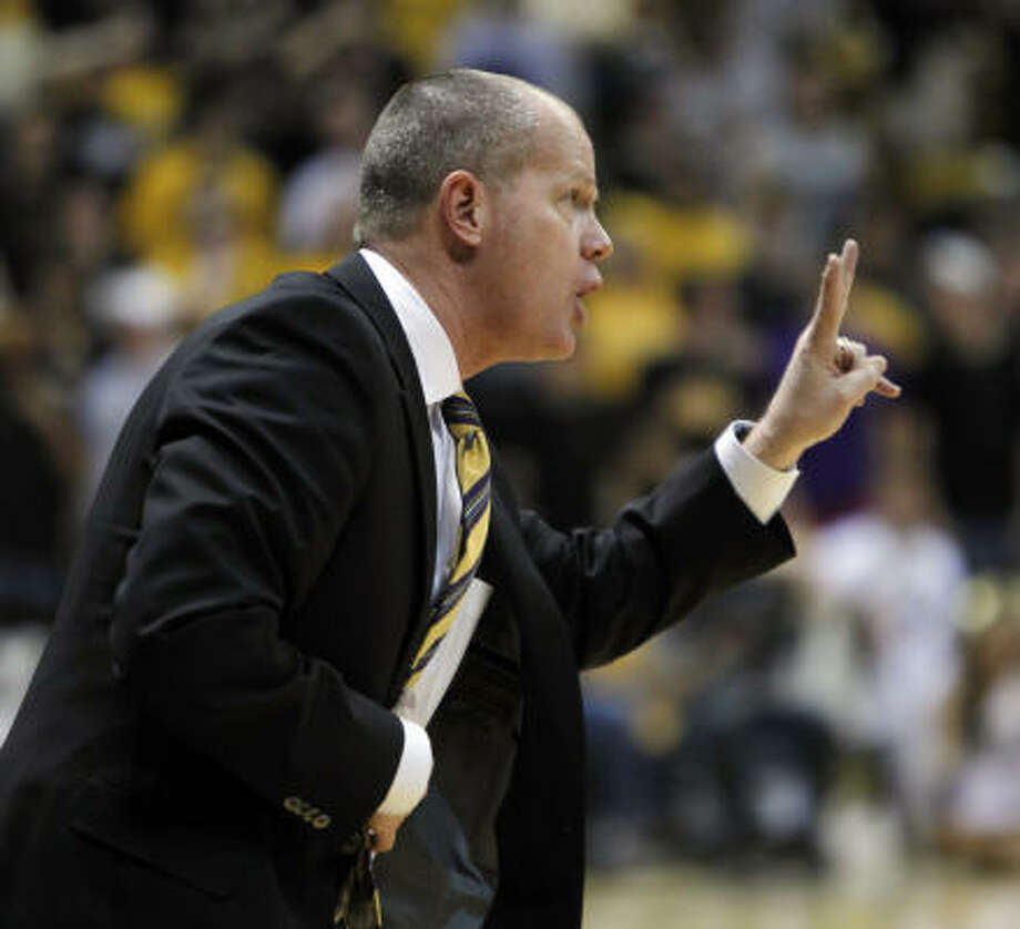 Tad Boyle would endear himself to Texas high school and AAU coaches in short order. Photo: Ed Andrieski, ASSOCIATED PRESS