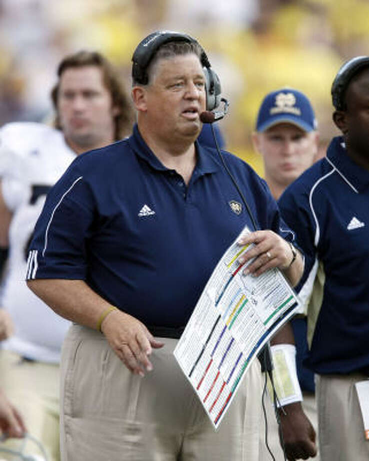 According to a source, former Notre Dame coach Charlie Weis is set to return to the college ranks after serving as the offensive coordinator for the Kansas City Chiefs this season. Photo: TONY DING, AP