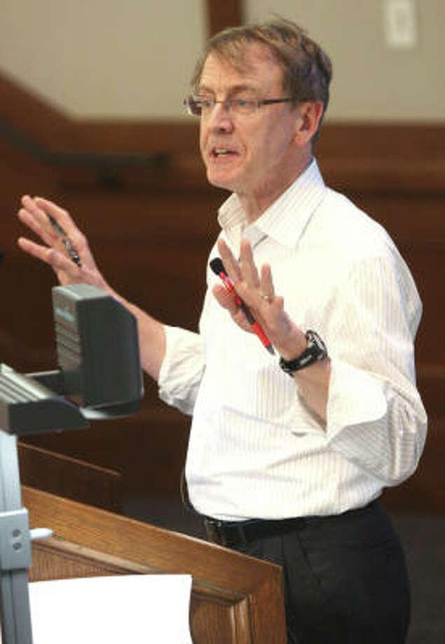 John Doerr, who directed funding to Compaq, Amazon.com and many others, gave advice Friday at Rice University. Photo: Tonya Torres:, Chronicle