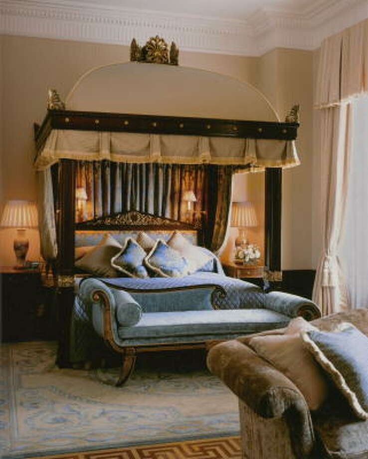 The Royal Suite at the Lanesborough in London boasts Regency-era décor. Photo: LANESBOROUGH