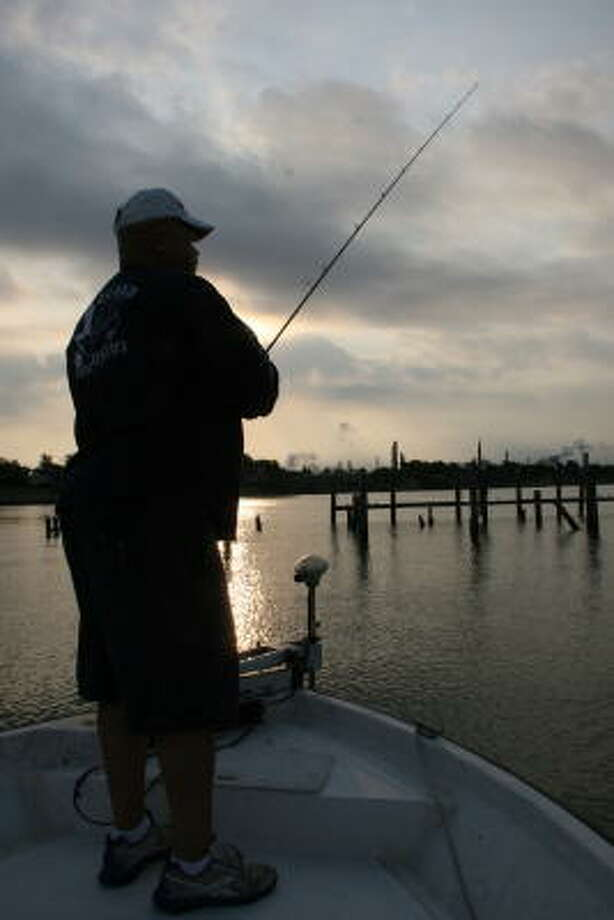 An unusually persistent siege of strong winds has kept Galveston Bay anglers off open-water structures, forcing them to focus on rare protected areas holding fishable water. Photo: Shannon Tompkins, Chronicle