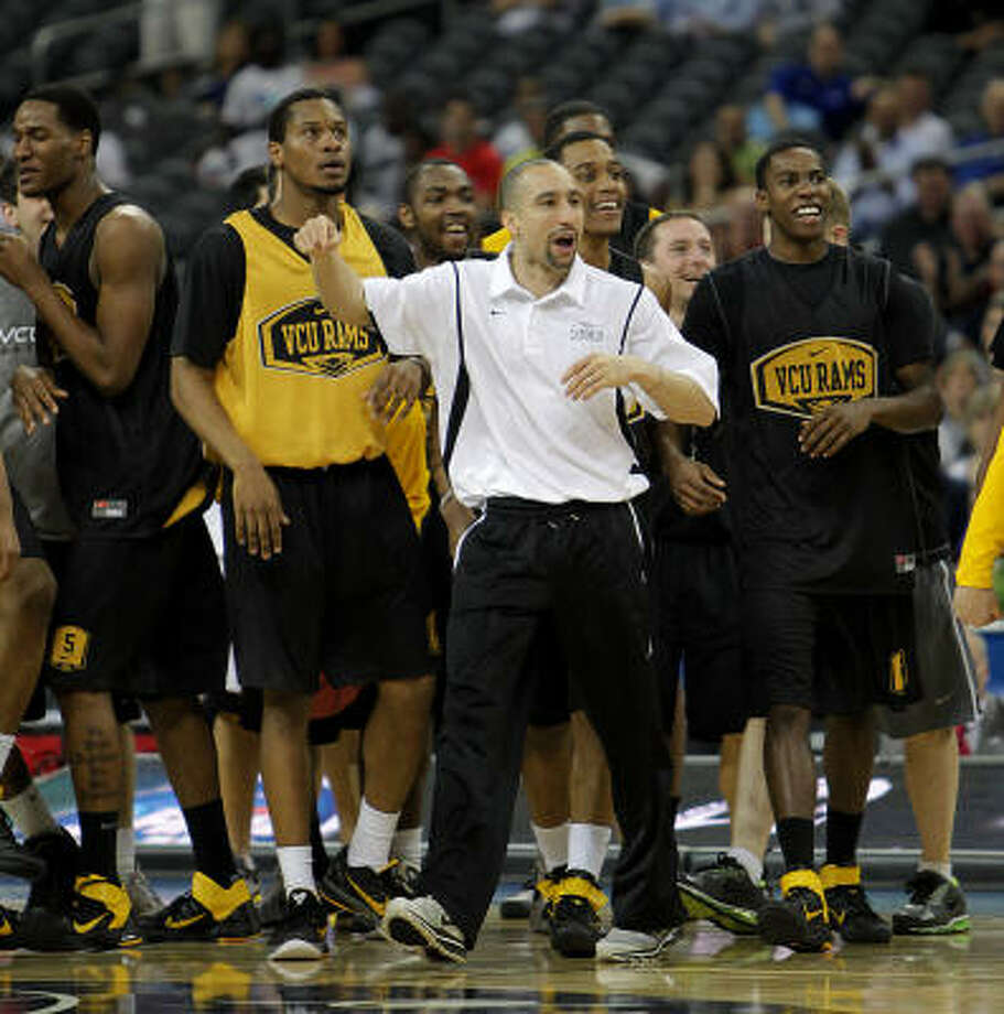 Shaka Smart's VCU Rams were loose during Friday's practice at Reliant Stadium. Photo: Karen Warren, Chronicle