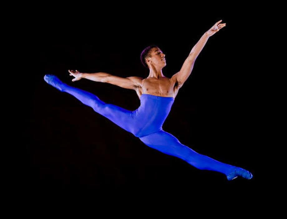 Houston Ballet II dancer Harper Watters performs Blue, which was choreographed by Stanton Welch. Photo: AMITAVA SARKAR