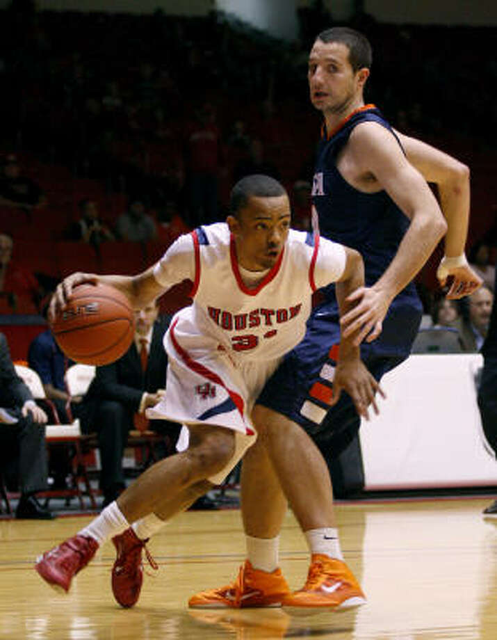UH senior guard Adam Brown leads the team with a 14.6 scoring average. Photo: Thomas B. Shea, For The Chronicle