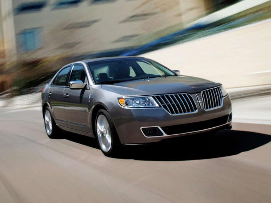2011 Lincoln MKZ Hybrid (photo courtesy Ford Motor Company) Photo: Ford / © 2010 Ford Motor Company