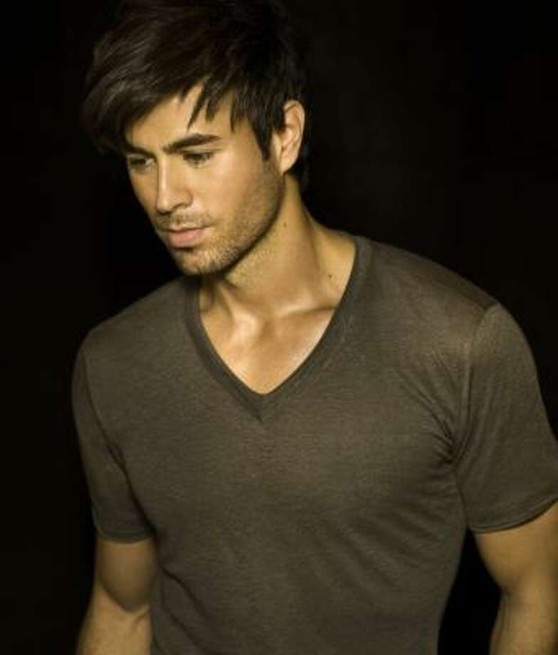 Enrique Iglesias hace el crossover al inglés. Photo: Crossover Agency