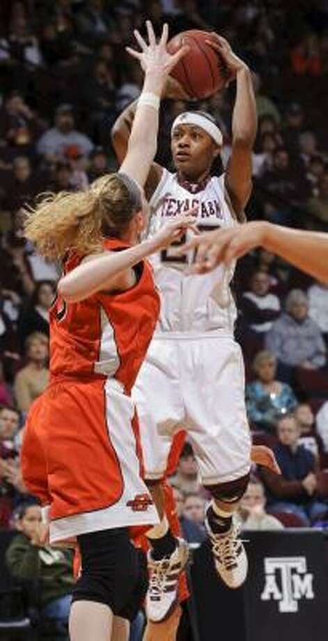 Tanisha Smith and Texas A&M look to continue their recent success against Texas. Photo: Dave Einsel, AP