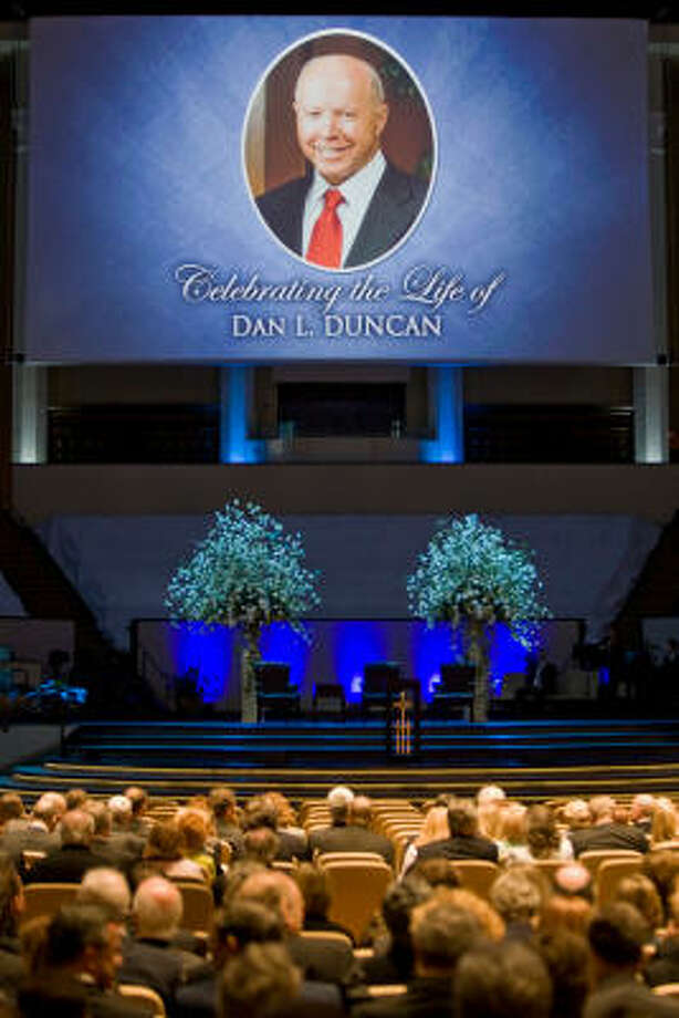 A memorial service for energy magnate and philanthropist Dan Duncan was held on Tuesday at Second Baptist Church. Photo: Melissa Phillip, Chronicle