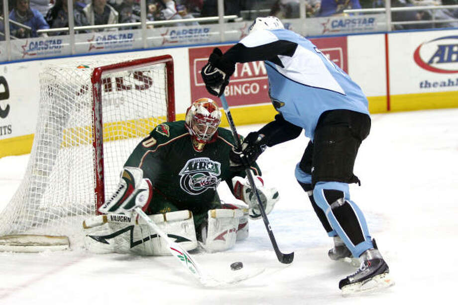 Aeros goalie Anton Khudobin, an All-Star this year because of his strong start, has not won a game since Nov. 25. Photo: Chris Jerina