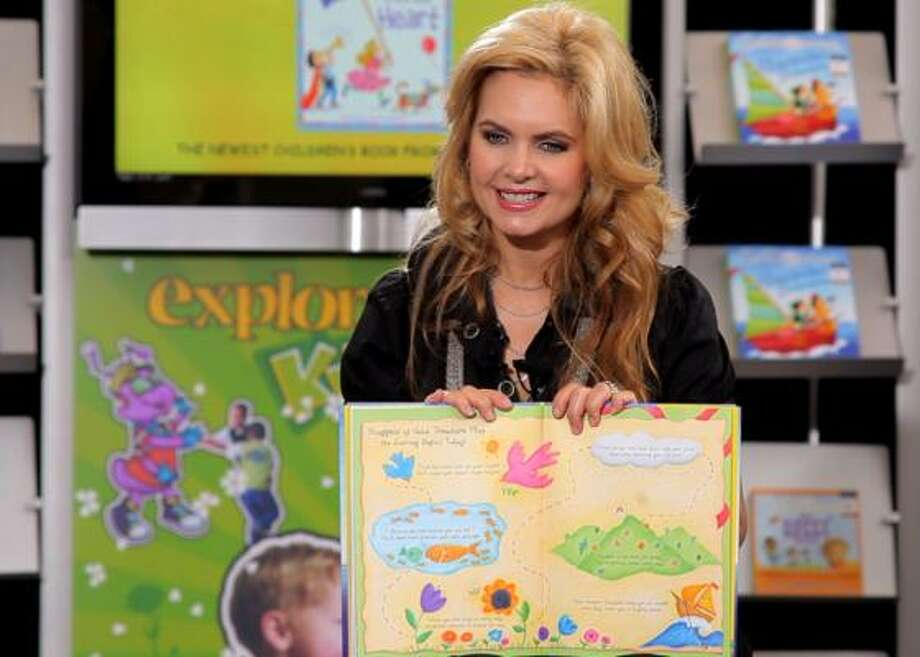 Victoria Osteen reads her new children's book, Gifts From the Heart, to children at Target Hunger in Houston. Photo: COURTESY PHOTO
