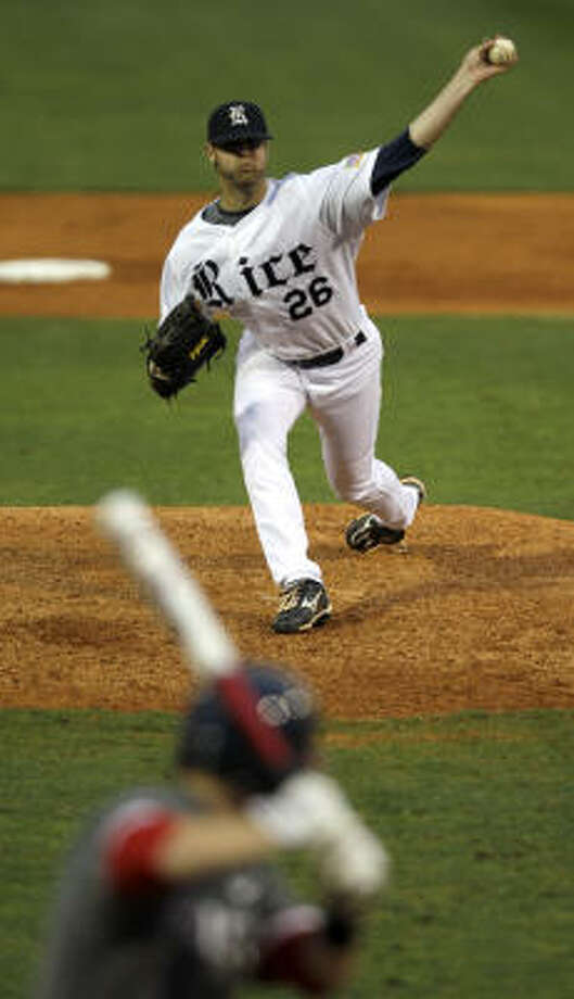 Rice starter Taylor Wall threw a complete-game, one-hit shutout at home against UH. Photo: Brett Coomer, Chronicle