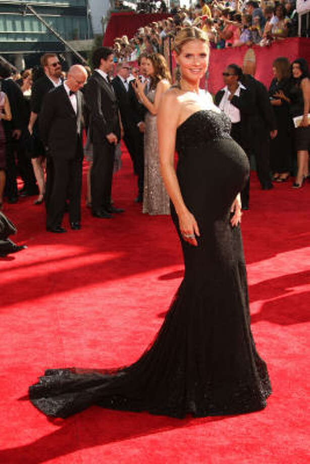 Heidi Klum flaunted her pregnancy bulge in a designer gown at the 2009 Emmy Awards. Photo: Jason Merritt, Getty Images