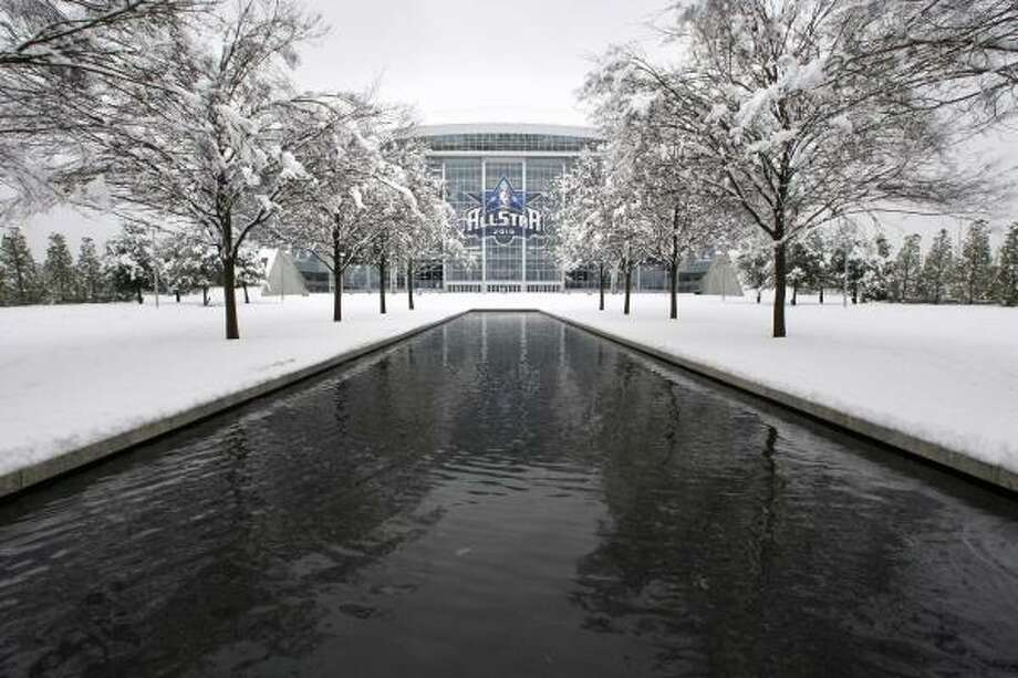 Dallas' snow covered the site of the All-Star Game but did not stop work on the collective bargaining agreement. Photo: Tony Gutierrez, AP