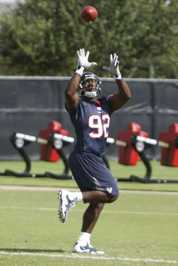 """Rookie Earl Mitchell has already impressed coach Gary Kubiak, who called him an """"effort player."""" Photo: Julio Cortez, Chronicle"""