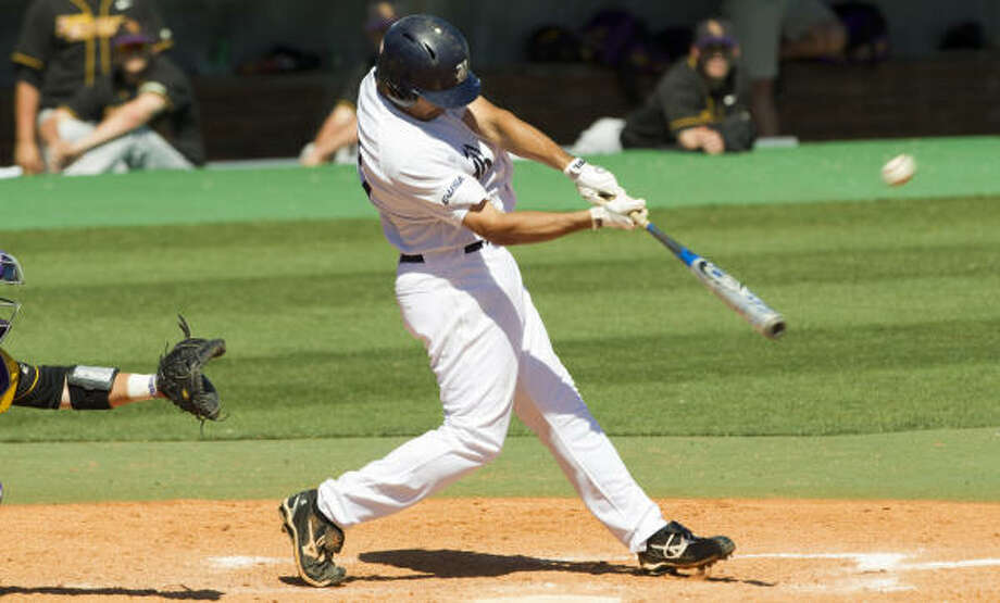 Rice third baseman Anthony Rendon hit .394 with 26 home runs and 85 RBIs last season. Photo: Brett Coomer, Chronicle