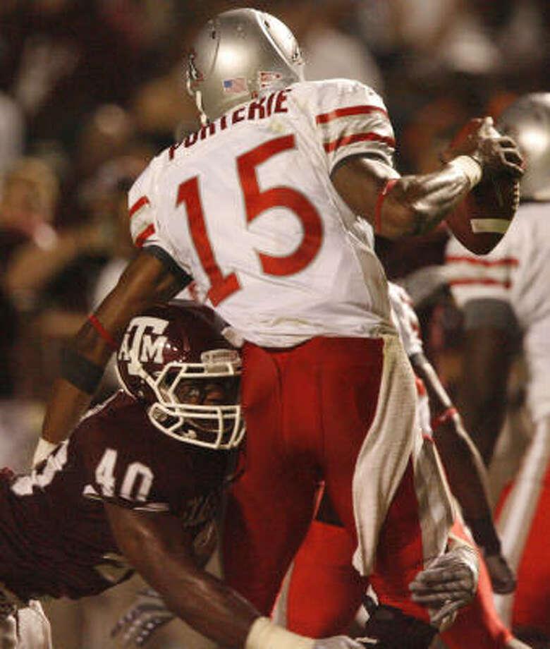 Texas A&M defensive lineman/linebacker Von Miller led the Football Bowl Subdivision with 17 sacks. Photo: Julio Cortez, Houston Chronicle