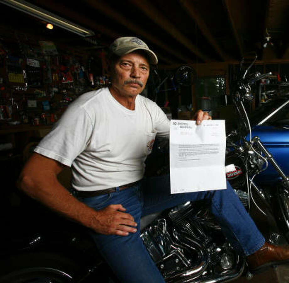 Vietnam veteran James Davis, 59, of Willis has been trying since 2003 to get an increase in his VA disability benefits, but all he gets is a letter every six months saying he is being evaluated. Photo: Michael Paulsen, Chronicle