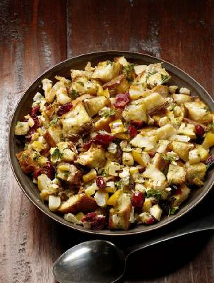 Apple-Fennel Stuffing Photo: FOOD NETWORK MAGAZINE