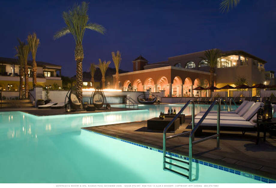 RELAX: Grab a glass of wine and pick a spot at the picturesque pool at the Montelucia Resort in Scottsdale, Ariz. Photo: Intercontinental Montelucia Resort