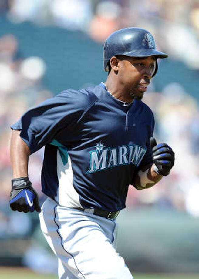 Chone Figgins leaves the Angels a much less dynamic team and, with Ichiro Suzuki, gives Seattle an elite upper order. Photo: Lisa Blumenfeld, Getty Images