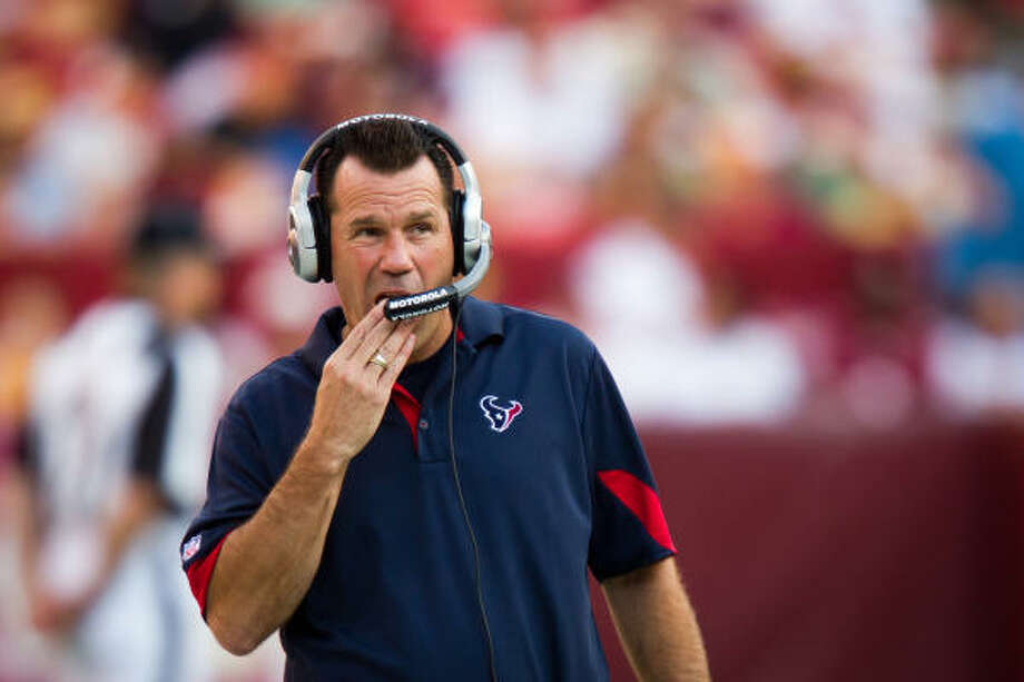 Like most NFL coaches, the Texans' Gary Kubiak alternates between genius and dunce depending on the outcome of the season's 16-part exam. At 4-3, the Texans are barely above average but will have plenty of chances to change the outlook with several games left against playoff contenders. Photo: Smiley N. Pool, Chronicle