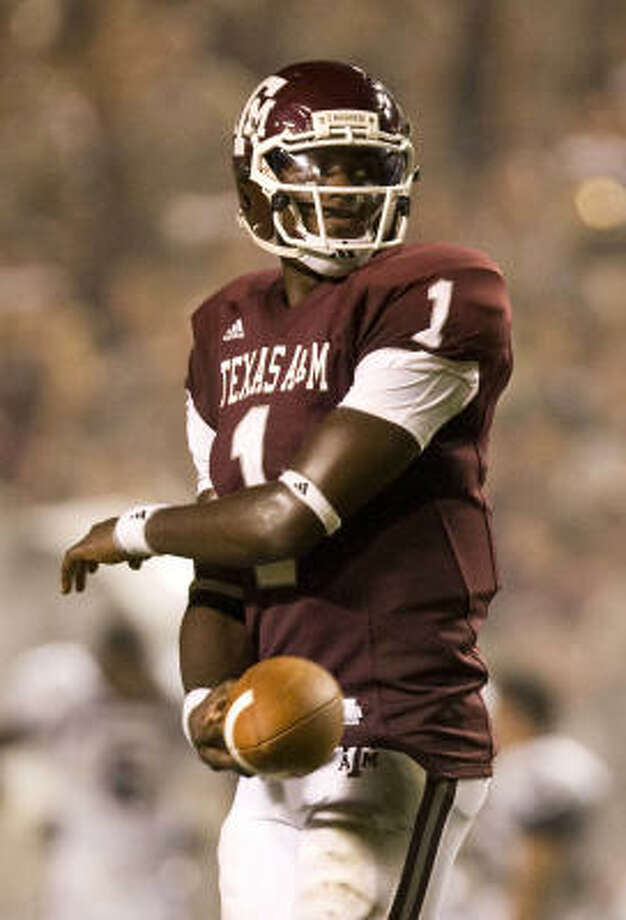 A&M quarterback Jerrod Johnson was one of the Aggies who suffered through a 34-17 loss to Miami in 2007 that continued a trend of poor showings in TV games, especially on Thursdays. Photo: Nick De La Torre, Houston Chronicle