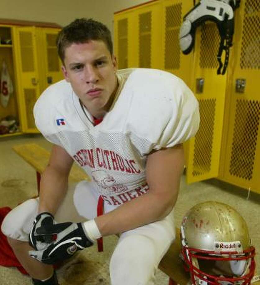 "En route to leading Bergen Catholic to a New Jersey state title in 2004, Brian Cushing scored five times in a game against St. Joseph, whose coach, Tony Karcich, later said: ""He was a big kid. Steroids don't make you tall, do they?"" Photo: ZEHAWI TARIQ, The (Bergen, N.J.) Record"