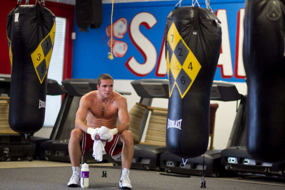 Light heavyweight Mike Lee is 2-0 since turning pro in May. Photo: Nick De La Torre, Chronicle