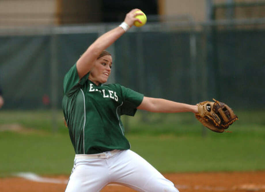Rachel Fox pitched two perfect games last week in the state quarterfinals and state semifinals. Photo: Chronicle File Photo