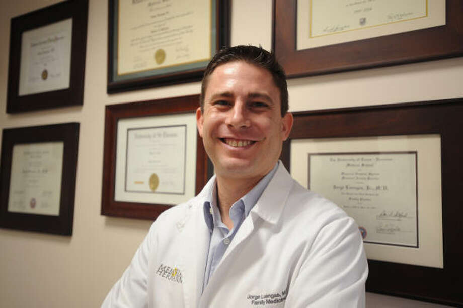 ON A MISSION: Family practitioner Dr. Jorge Luengas, M.D. is an expert in diabetes. His goal is to bring awareness of the disease to everyone he meets. Photo: Thomas Nguyen, For The Chronicle