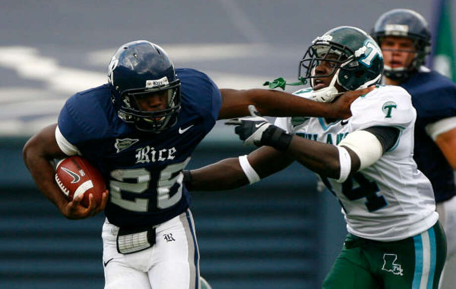Rice kick returner Charles Ross finished with a school-record 261 yards on seven kickoffs against Tulane. Photo: Chronicle File Photo