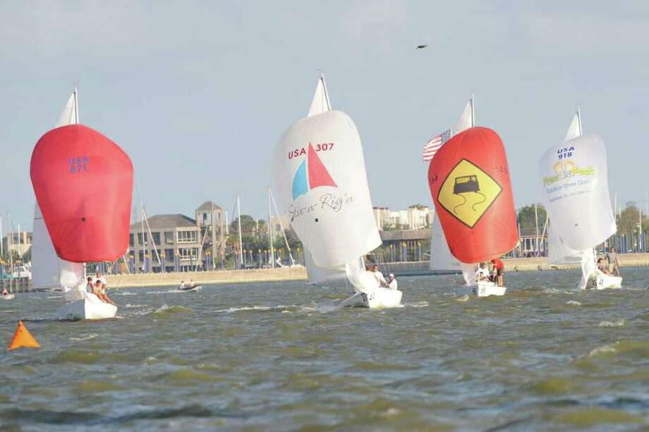 Seabrook, TX - 06/15/11 - Clear skies and a stiff wind made for excellent racing conditions during the Clear Lake sail boat races in Seabrook. Photo by Ronnie Montgomery Photo: Ronnie Montgomery / Ronnie Montgomery