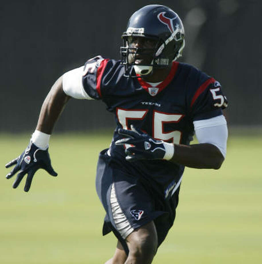 Linebacker Danny Clark played for the Texans in 2007 before spending the last two seasons with the New York Giants. Photo: James Nielsen, Chronicle