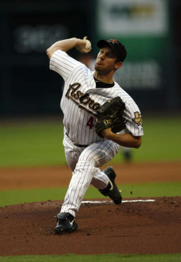 Righthander Roy Oswalt has asked the Astros to consider trading him to a contender. Photo: Johnny Hanson, Chronicle