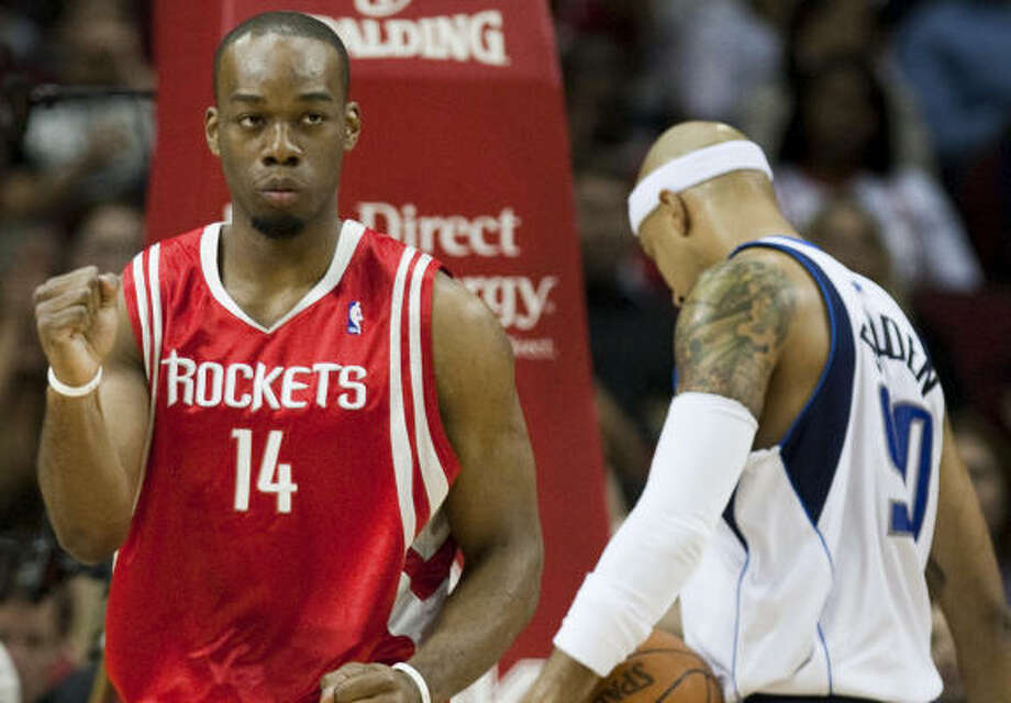 Rockets forward Carl Landry knows that with all the defensive attention he's getting, he's got to find open teammates. Photo: Smiley N. Pool, Chronicle