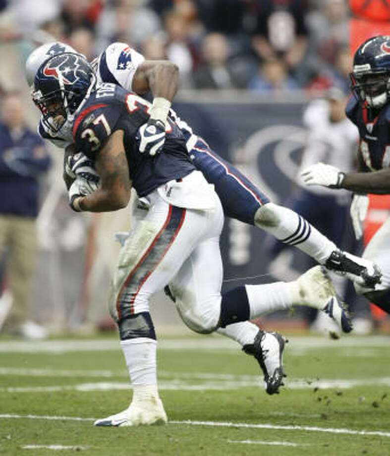 The Texans got some help from undrafted running back Arian Foster last season but will likely draft another back during one of the early rounds of this year's NFL Draft. Photo: Nick De La Torre, Chronicle